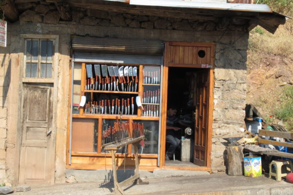 knife maker in a small town taskent